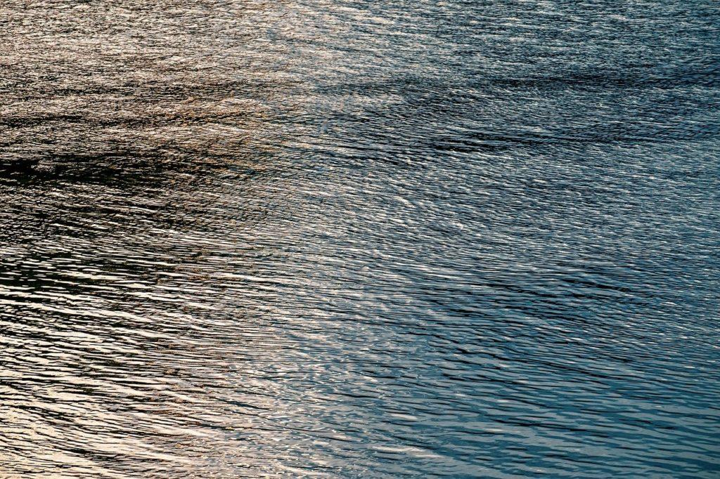 百人一首93番 「世の中は つねにもがもな なぎさこぐ あまの小舟の 綱手かなしも」の意味と現代語訳
